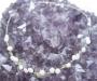 Pärlid ja oliviin kaelakee
