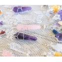 Erinevad kristallid ripats tipp traadiga
