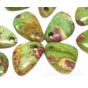 Rubiin fuksiidis auguga