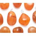 Leiunurk: Karneool ripats lihvitud tilk defektiga